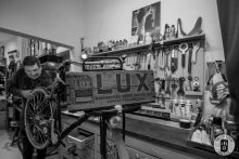 A bike is maintained and repaired at Exceller Bikes in Bruges (photo by Photo Tour Brugge)
